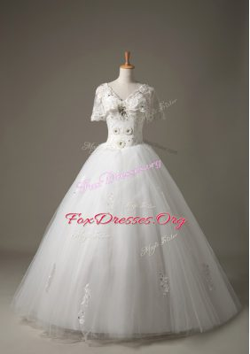 Decent Short Sleeves Beading and Appliques Lace Up Wedding Gown
