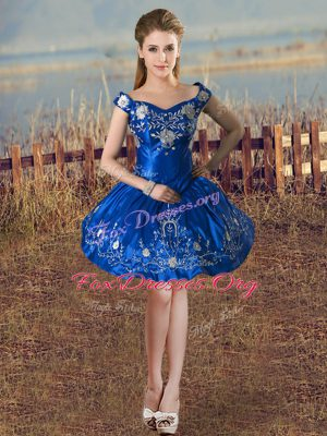 Classical Royal Blue Taffeta Lace Up Off The Shoulder Sleeveless Knee Length Club Wear Embroidery