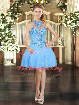 Stunning Halter Top Sleeveless Tulle Prom Gown Embroidery Lace Up