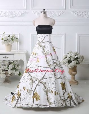 Noble Strapless Sleeveless Wedding Gown Brush Train Pattern Multi-color Printed