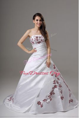 Best Selling Strapless Sleeveless Satin Wedding Gown Embroidery Brush Train Lace Up