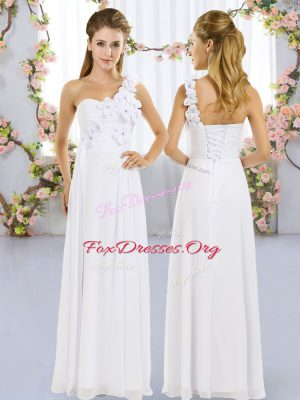 Affordable Sleeveless Chiffon Floor Length Lace Up Vestidos de Damas in White with Hand Made Flower