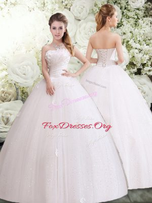 Strapless Sleeveless Tulle Wedding Gowns Appliques and Ruching Lace Up