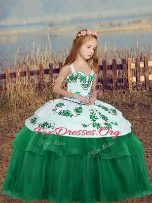 Sleeveless Embroidery Lace Up Child Pageant Dress