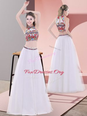 White High-neck Neckline Embroidery Dress for Prom Sleeveless Lace Up