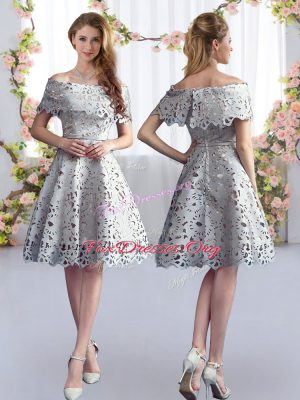 High Class Knee Length Grey Quinceanera Dama Dress Short Sleeves Lace