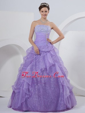 A-line Strapless Lilac Quinceanera Dress with Ruffles