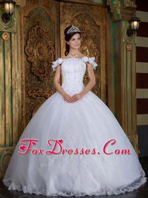 White Off The Shoulder Organza Appliques Quinceanera Dress
