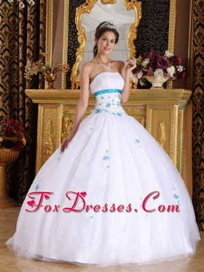 White Appliques Strapless latest Quinceanera Dress
