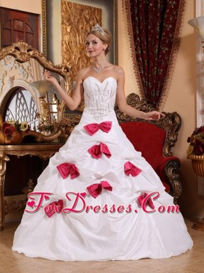 White A-line Taffeta Beading Bowknots Quinceanera Dress
