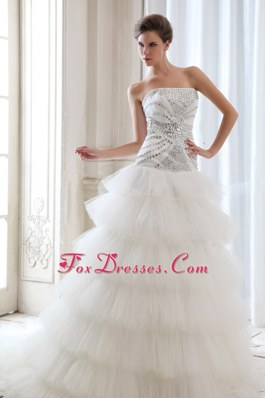 Beading High End Ruffes A-line Strapless Court Train  Wedding Dress