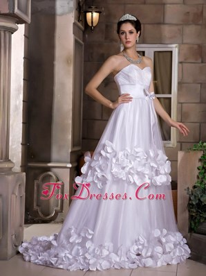 Cute Wedding Dress Sweetheart Sweep Train Hand Made Flowers