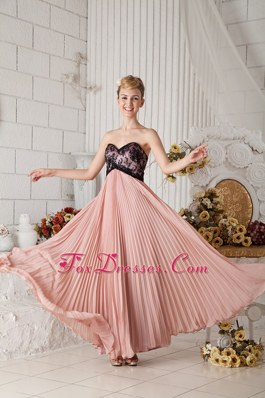 Lace Pleating Pink Chiffon Appliques Prom Celebrity Dresses