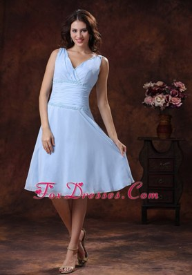V-neck Baby Blue Ruched Chiffon Knee-length Bridesmaid Dress