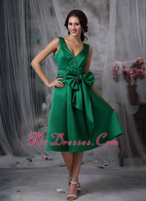 Bowknot Green V-neck Tea-length Taffeta Bridesmaid Dresses