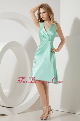 Short A-line Bridesmaid Dresses Taffeta V-neck Apple Green