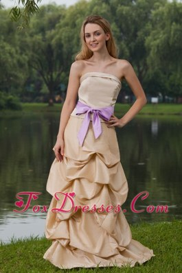 Pick-ups Champagne Taffeta Bridesmaid Dress Sashed