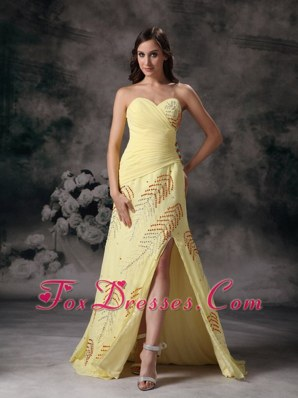 Yellow Celebrity Pageant Dresses Column Beading Sweetheart