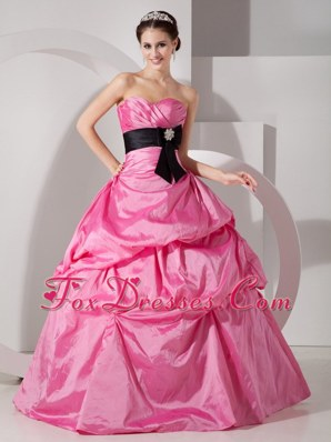 Hot Pink Cheap Quinceanea Dress Sweetheart Taffeta Sash