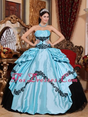 Cheap Baby Blue Quinceanera Dress Strapless Taffeta Appliques