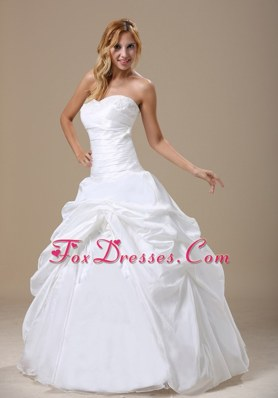 Appliques Hand Made Flower Ball Gown Floor-length Wedding Dress