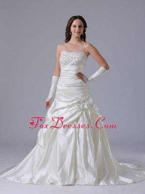 Beaded Decorate Bust Luxurious Wedding Dress With Appliques