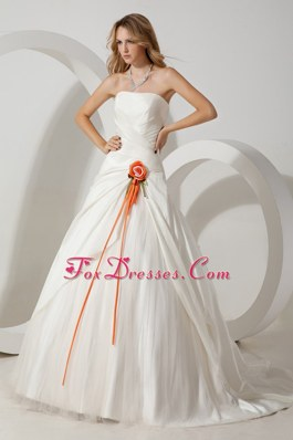 Beautiful Strapless Brush Train Hand Made Flower Wedding Dress