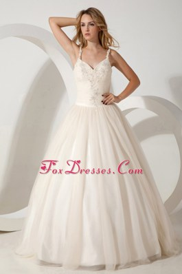 Lovely Straps Brush Train Tulle Appliques Wedding Gowns