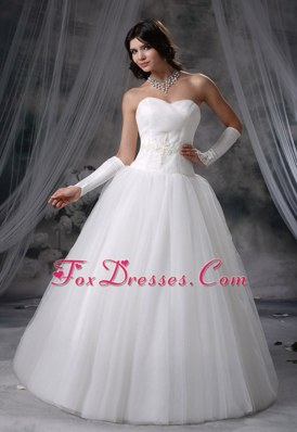 Cheap Wedding Dress Beading A-line Sweetheart Neckline Tulle