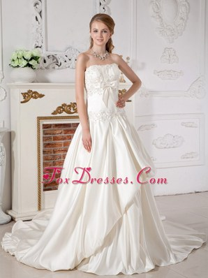 A-line Strapless Taffeta Appliques Wedding Dress Beautiful