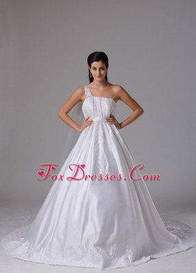 A-line One Shoulder 2013 Wedding Dress Embroidery Ruch