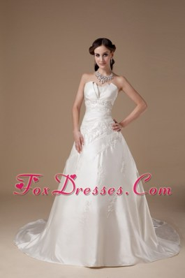 Ivory A-line Strapless Court Train Appliques Wedding Dress