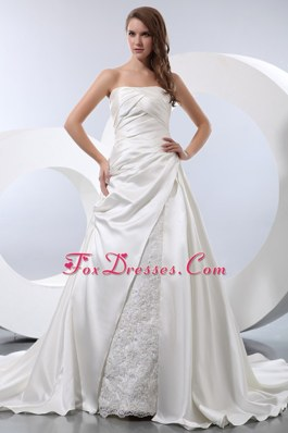 A-line Strapless Wedding Dress Chapel Train Taffeta Ruch