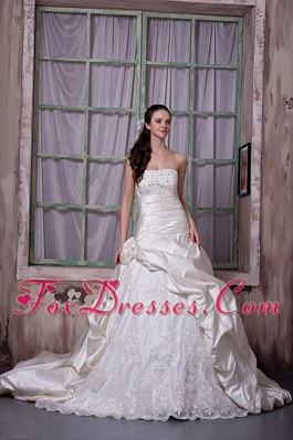A-line Strapless Chapel Train Taffeta Appliques Wedding Dress
