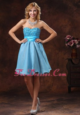 2013 Sweetheart Beading Cocktail Graduation Dresses With Mini-length