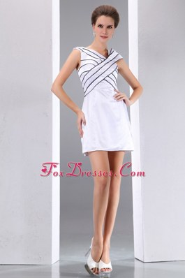 White Column V-neck Mini-length Cocktail Graduation Dresses