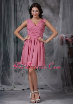 V-neck Ruche Mini-length Chiffon Dama Dresses