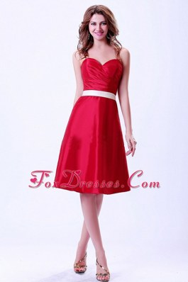Sweetheart Belt Knee-length Red Bridemaid Dress