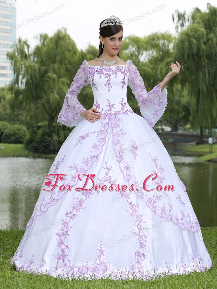 Embroidery Long Sleeves Sweet 16 Party Dress Purple