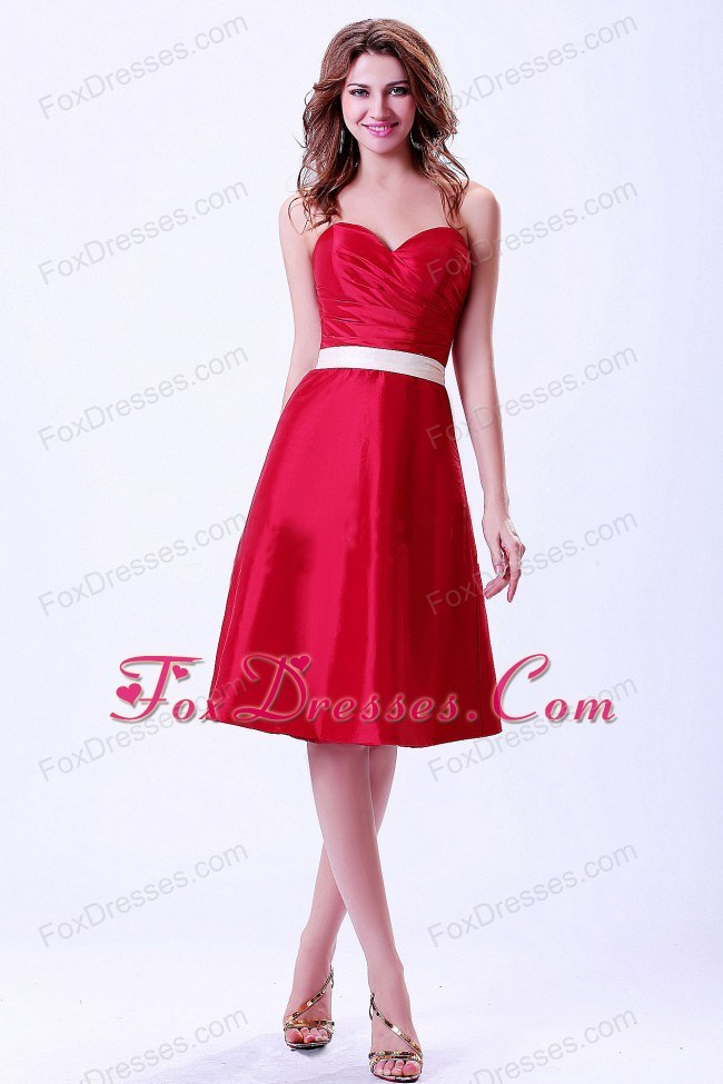 Wine Red Sweetheart Bridemaid Dress with White Belt