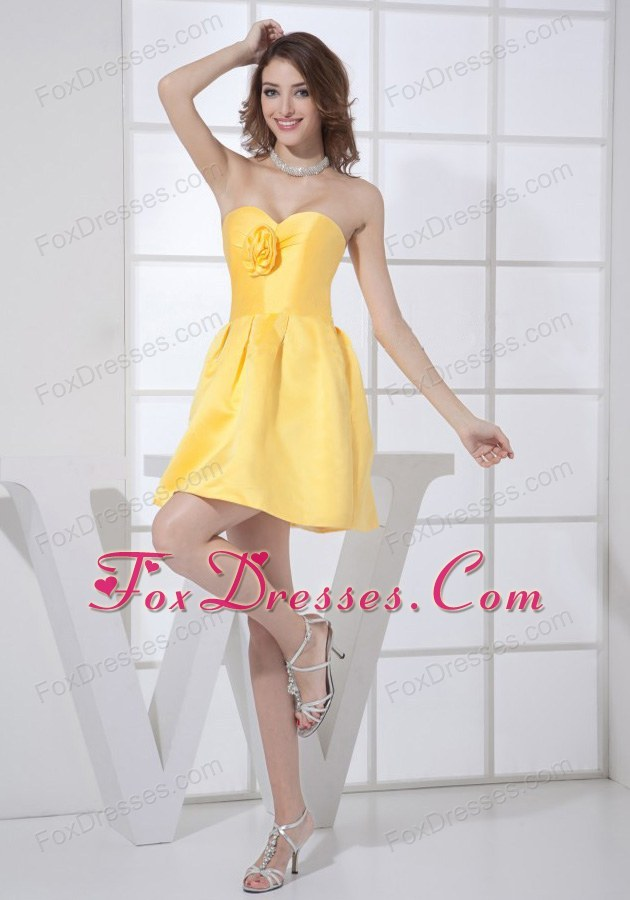 Short Cocktail Dress with in Yellow