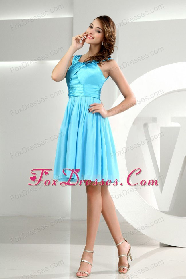 Chiffon and Taffeta Short Baby Blue Bridesmaid Dress