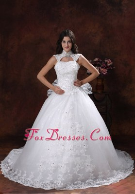 2013 High Neck Wedding Dress Elegant Lace Chapel Train