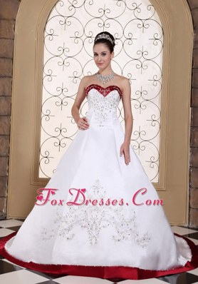 Embroidery Satin Modest Chapel Train 2013 Wedding Dress with Red Color