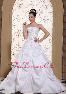 Beaded Embroidery Satin Pretty Wedding Dress Pick-ups Gown