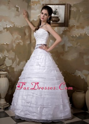 2013 Layered Organza Appliques Wedding Dress Sashed Taffeta