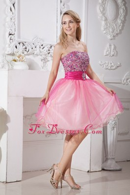 Pretty Pink Strapless Knee-length Beading Cocktail Dresses