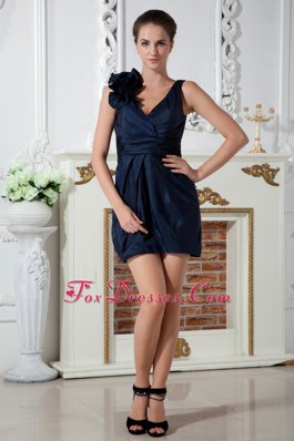 Column Navy Blue V-neck Ruching Hand Made Flowers Homecoming Dresses