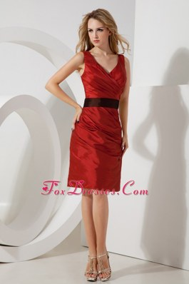 V-neck Red Column Prom Holiday Dresses Knee-length Taffeta