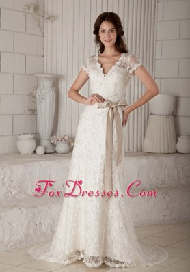 Bow Decorate Wedding Dress Column V-neck Brush Lace